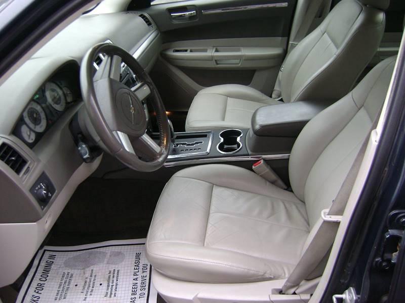 2008 Chrysler 300 Touring 4dr Sedan - New Bedford MA
