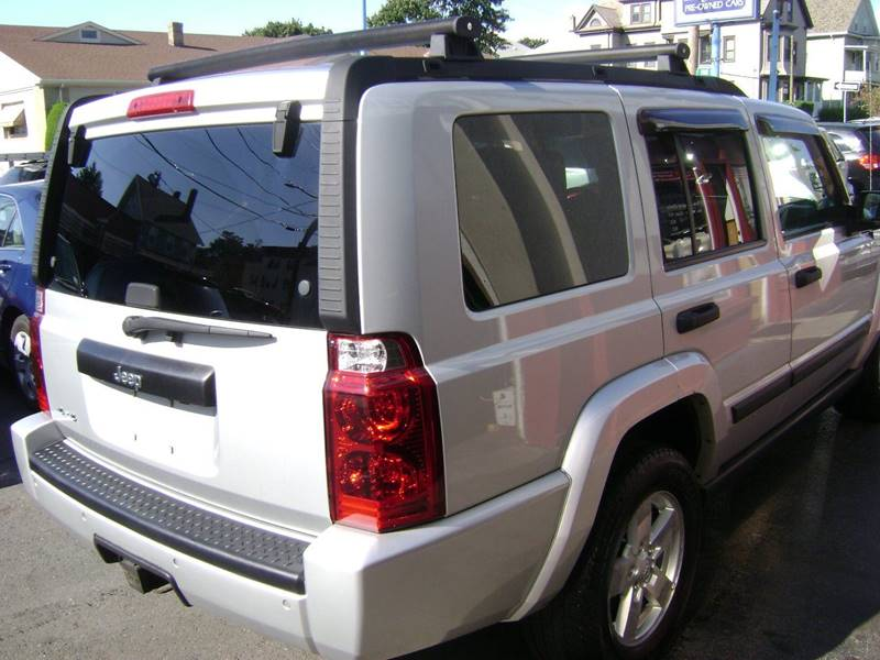 2006 Jeep Commander 4dr SUV 4WD - New Bedford MA