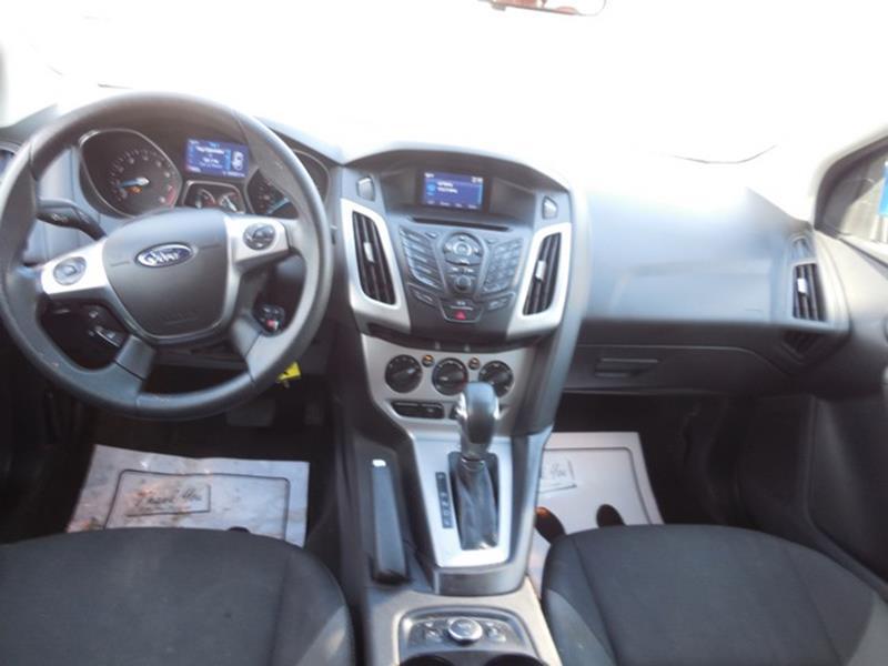 2014 Ford Focus SE 4dr Sedan - Detroit MI