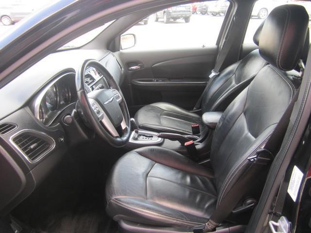 2012 Chrysler 200 Limited 4dr Sedan - Detroit MI