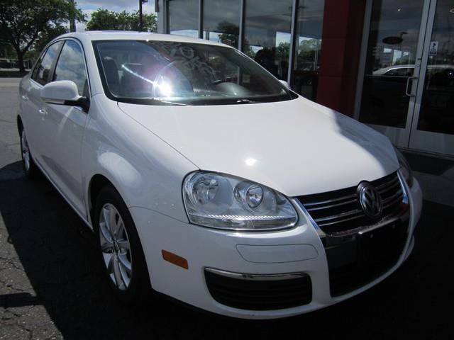 2010 Volkswagen Jetta SE 4dr Sedan 6A - Detroit MI