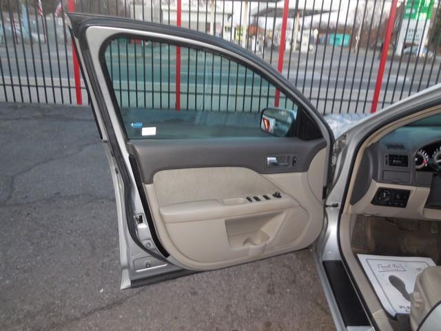 2010 Mercury Milan I-4 4dr Sedan - Detroit MI