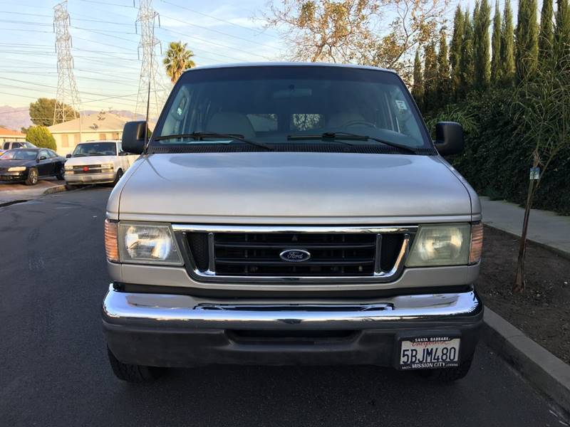 2003 Ford E-Series Chassis XL Super Duty In North Hollywood