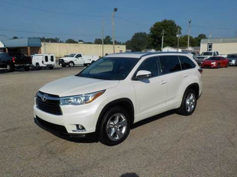 2015 Toyota Highlander for sale at Young's Motor Company Inc. in Benson NC