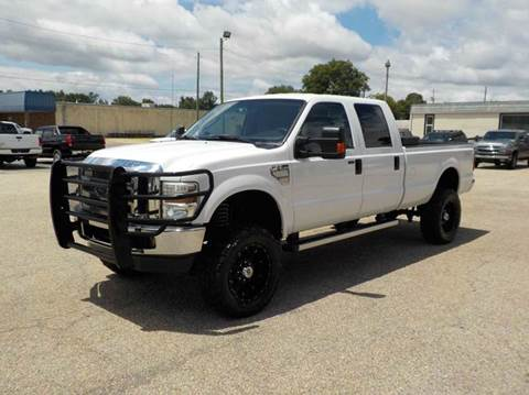 2009 Ford F-250 Super Duty for sale at Young's Motor Company Inc. in Benson NC