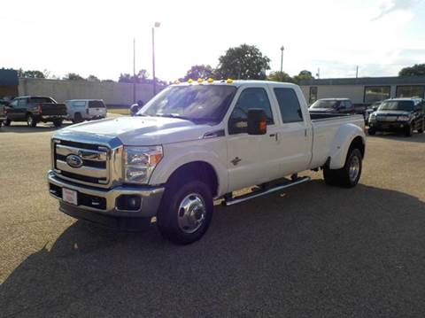 2011 Ford F-350 Super Duty for sale at Young's Motor Company Inc. in Benson NC