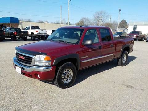 2004 GMC Sierra 2500 for sale at Young's Motor Company Inc. in Benson NC