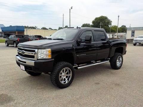 2009 Chevrolet Silverado 1500 for sale at Young's Motor Company Inc. in Benson NC