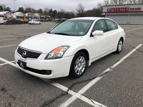 2009 Nissan Altima 2.5 S for sale at B&B Auto LLC in Union NJ