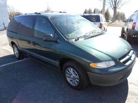 1996 Dodge Grand Caravan for sale at Granite Motor Co 2 in Hickory NC