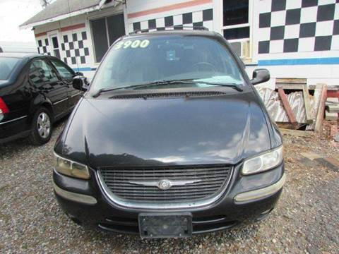 1999 Chrysler Town and Country for sale at Granite Motor Co 2 in Hickory NC