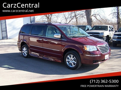 2009 Chrysler Town and Country for sale in Estherville, IA