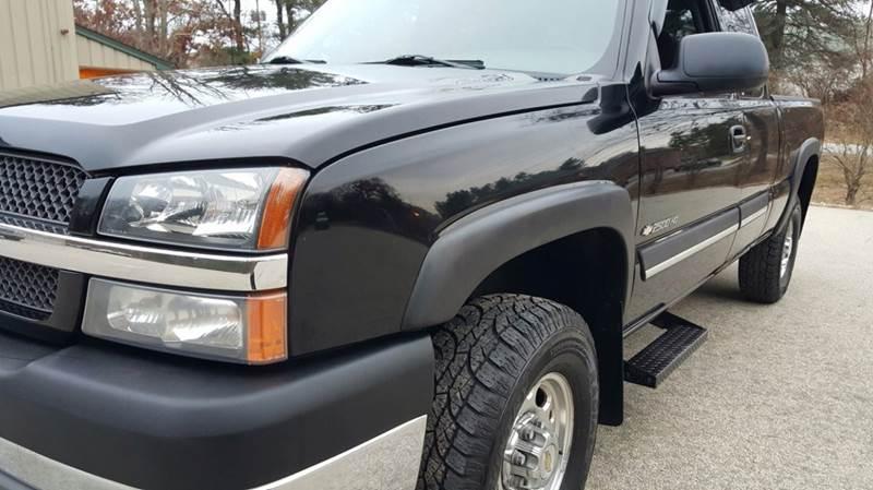 2003 Chevrolet Silverado 2500HD for sale at Cella  Motors LLC in Auburn NH