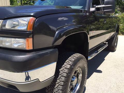 2005 Chevrolet Silverado 2500HD for sale at Cella  Motors LLC in Auburn NH