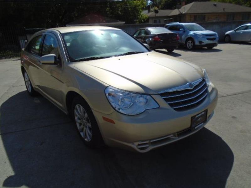 2010 Chrysler Sebring car for sale in Detroit