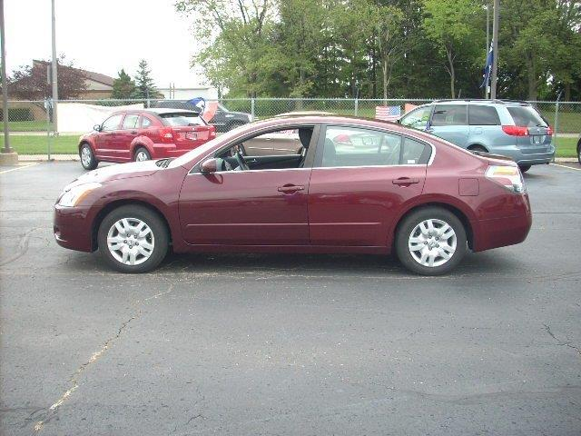 2011 Nissan Altima  WOW UNBELIEVABLE PRICE This vehicle is priced well below Blue Book WHAT A CLEA