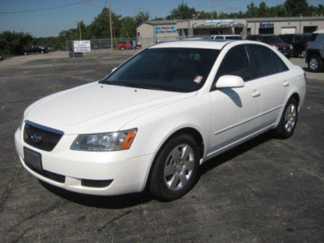 2008 Hyundai Sonata  Lowest Prices on the Internet Bumper to Bumper Warranties Everyone Approved L