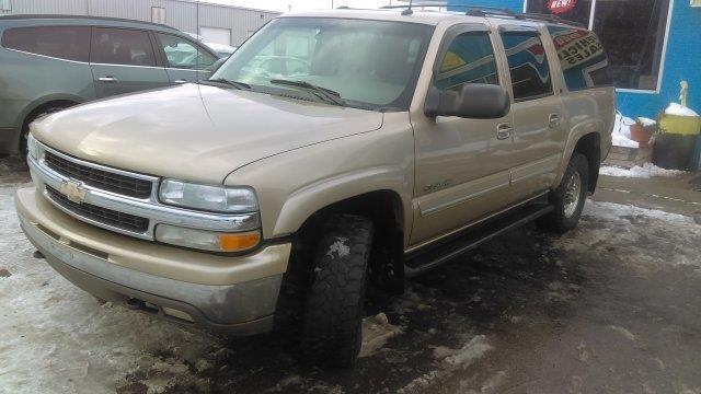 2005 Chevrolet Suburban  WOW UNBELIEVABLE PRICE This vehicle is priced well below Blue Book WHAT A