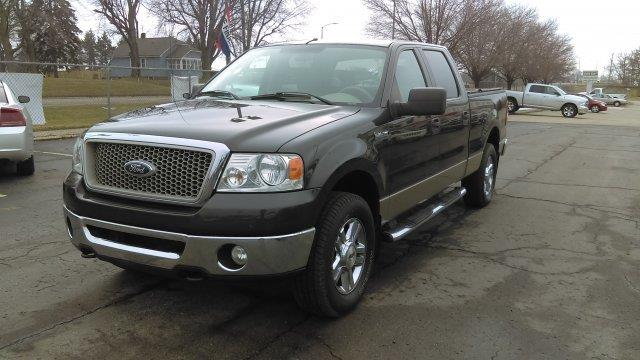 2006 Ford F-150  WOW UNBELIEVABLE PRICE This vehicle is priced well below Blue Book WHAT A CLEAN C