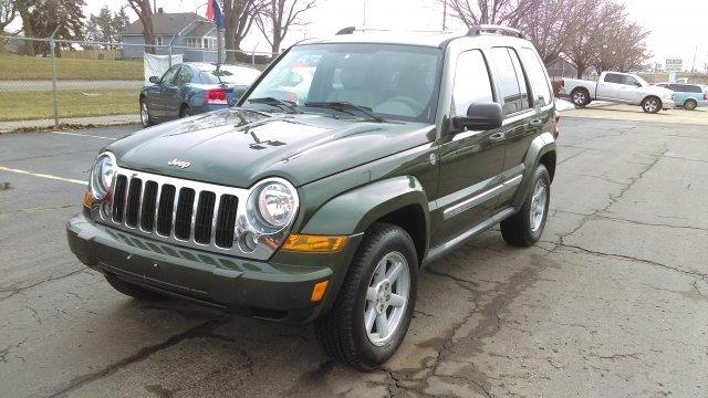 2006 Jeep Liberty  WOW UNBELIEVABLE PRICE This vehicle is priced well below Blue Book WHAT A CLEAN