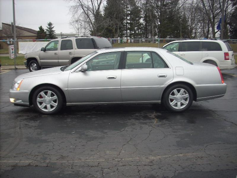 2006 Cadillac Dts  WOW UNBELIEVABLE PRICE This vehicle is priced well below Blue Book WHAT A CLEAN