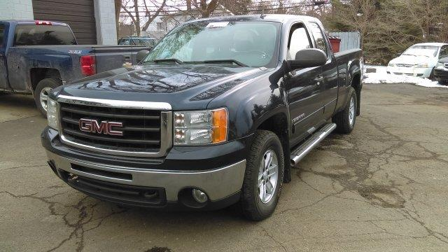 2009 Gmc Sierra 1500  WOW UNBELIEVABLE PRICE This vehicle is priced well below Blue Book WHAT A CL