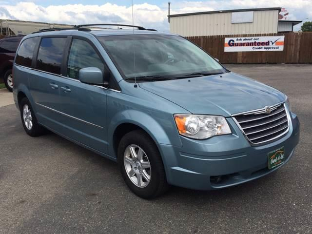 2010 Chrysler Town and Country Touring 4dr Mini-Van - Fargo ND