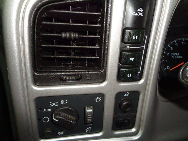 2003 GMC Sierra 2500HD for sale at Jeffs Northshore Auto LLC in Menasha WI