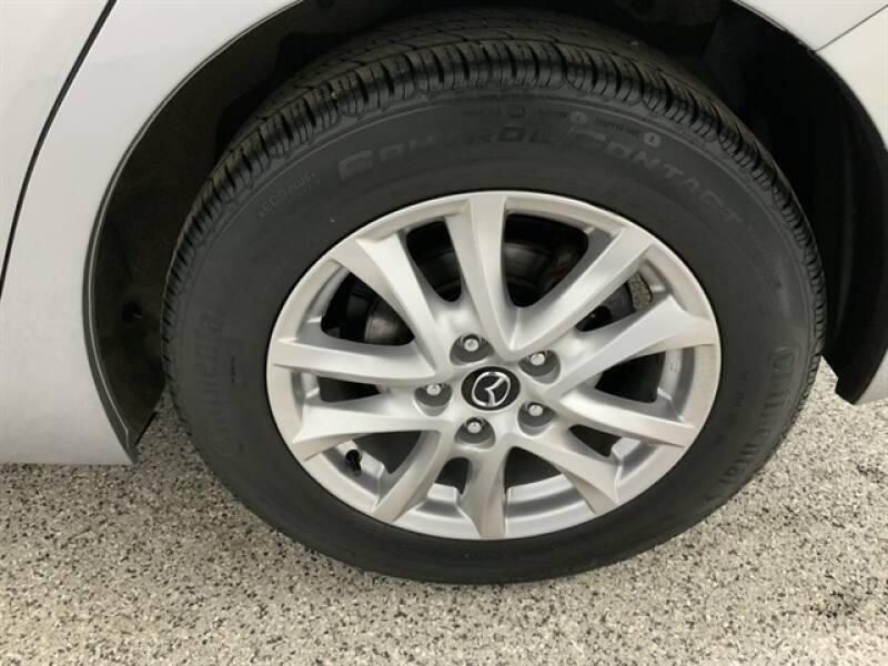 2016 Mazda MAZDA3 (image 32)