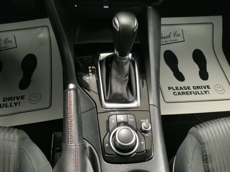 2016 Mazda MAZDA3 (image 16)