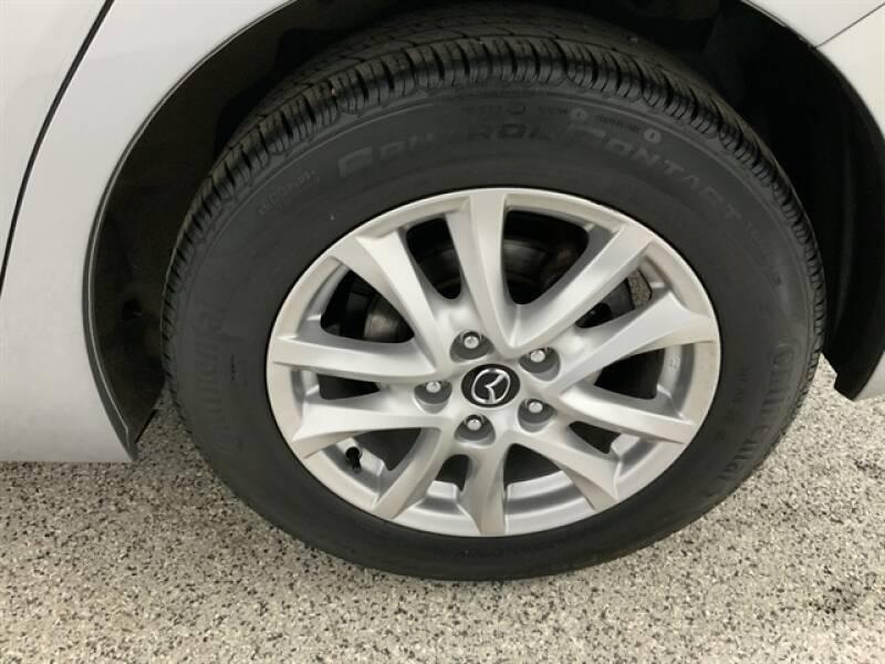 2016 Mazda MAZDA3 (image 30)