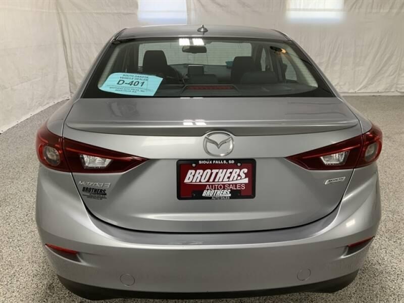 2016 Mazda MAZDA3 (image 9)