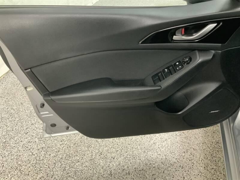2016 Mazda MAZDA3 (image 27)