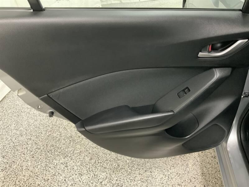2016 Mazda MAZDA3 (image 25)