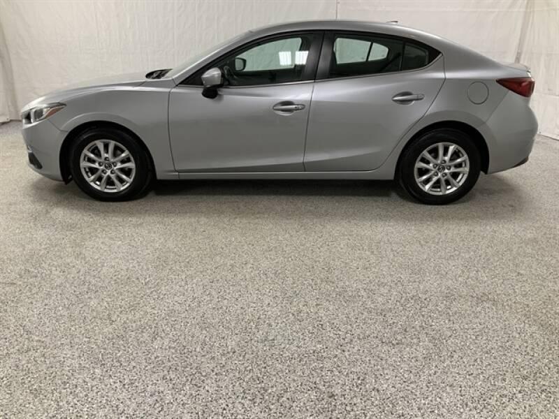 2016 Mazda MAZDA3 (image 1)