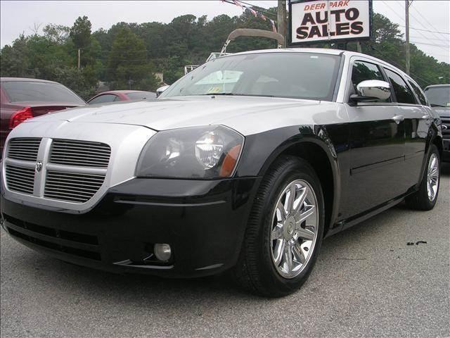 2006 Dodge Magnum for sale at Deer Park Auto Sales Corp in Newport News VA