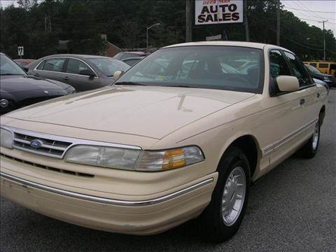 1996 Ford Crown Victoria for sale at Deer Park Auto Sales Corp in Newport News VA
