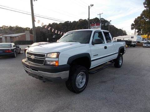 2005 Chevrolet Silverado 2500HD for sale at Deer Park Auto Sales Corp in Newport News VA
