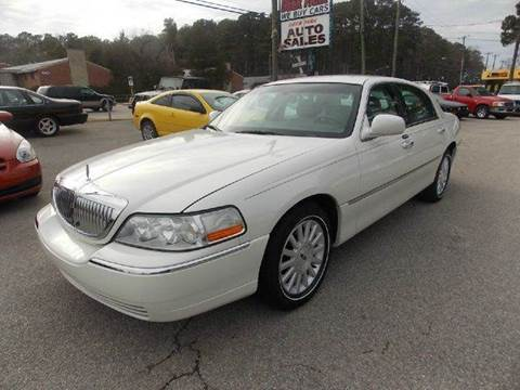 2003 Lincoln Town Car for sale at Deer Park Auto Sales Corp in Newport News VA