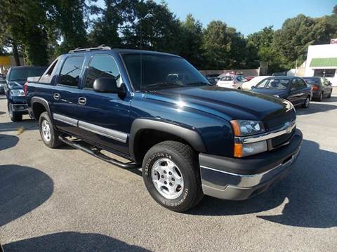 2004 Chevrolet Avalanche for sale at Deer Park Auto Sales Corp in Newport News VA