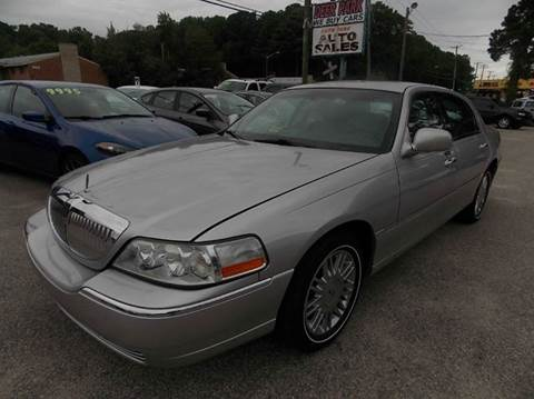 2008 Lincoln Town Car for sale at Deer Park Auto Sales Corp in Newport News VA