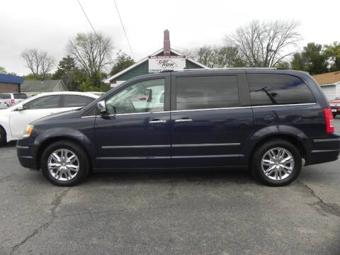 2008 Chrysler Town and Country for sale at Car Now in Mount Zion IL
