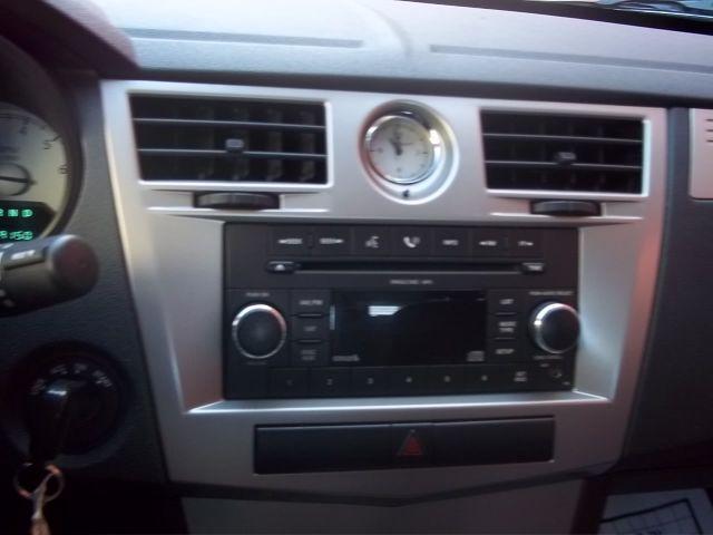 2009 Chrysler Sebring for sale at J & T Auto Sales in Warwick RI