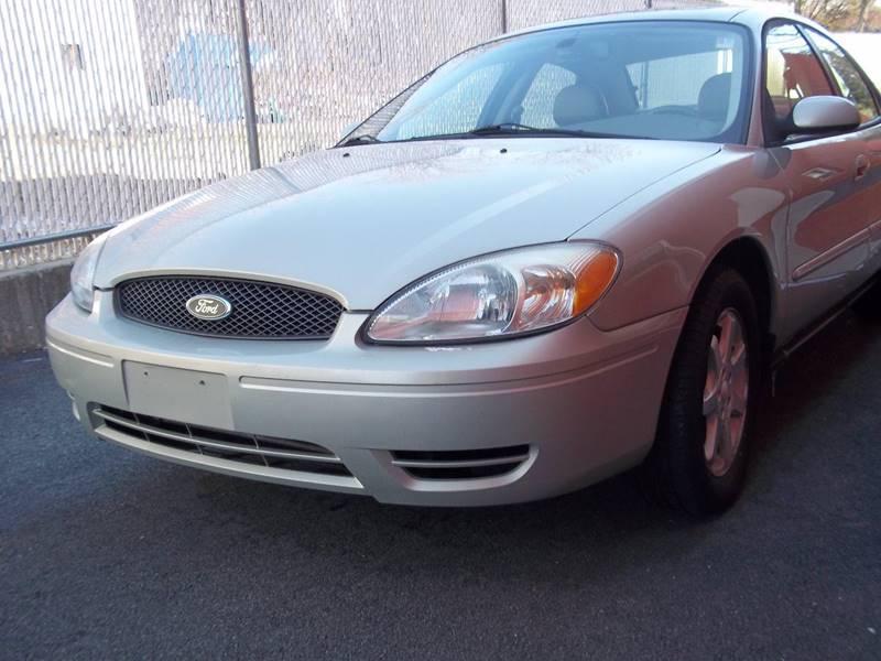 2007 Ford Taurus for sale at J & T Auto Sales in Warwick RI
