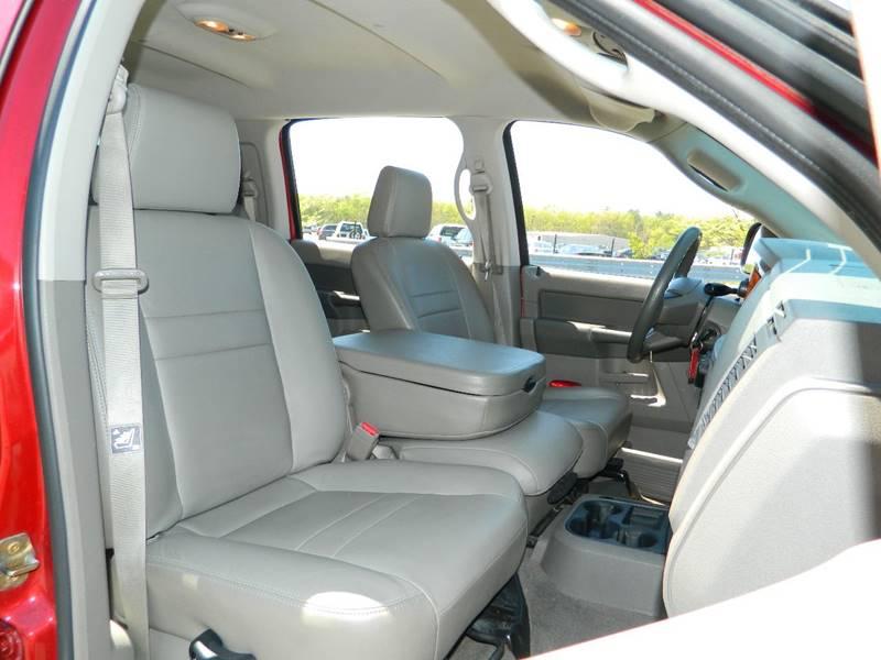 2006 Dodge Ram Pickup 1500 SLT 4dr Mega Cab 4WD SB - Exeter RI
