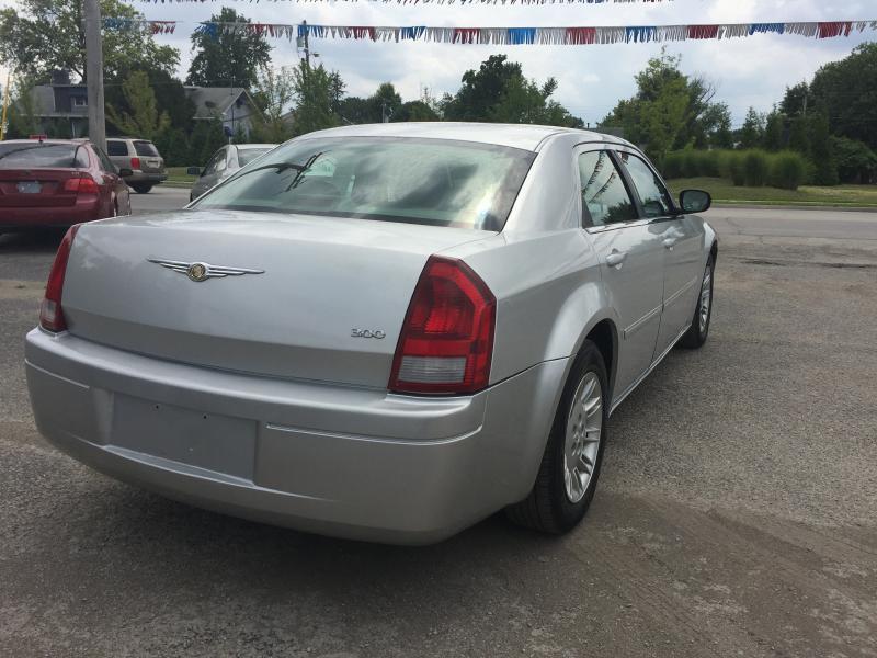 2007 Chrysler 300 4dr Sedan - Jeffersonville IN