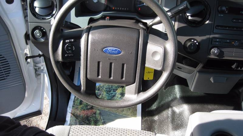2015 Ford F-250 Super Duty 4x4 XL 2dr Regular Cab 8 ft. LB Pickup - Loyal WI