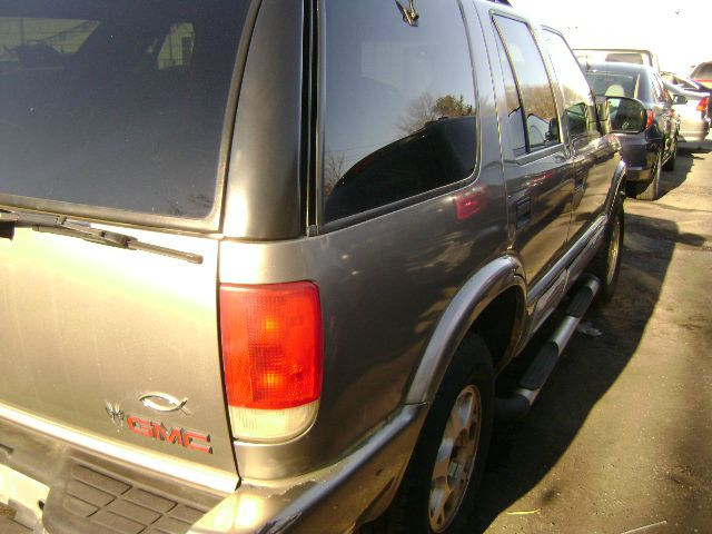 2000 GMC Jimmy 4dr SLE 4WD SUV - Central Islip NY