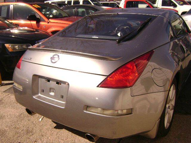 2004 Nissan 350Z 2dr Coupe - Central Islip NY