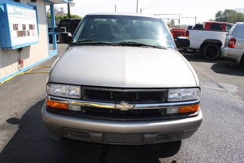 2000 Chevrolet S-10 for sale in Newark, MD